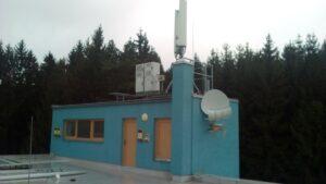 NMNM 2016 office arena - zde se přijímá a zpracovává TV a SAT signál pro vlastní budovu